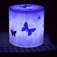 暗闇で瞬くこの色の蝶々は何とも言えない魅惑の雰囲気が漂います^^LED内蔵ハンドメイドキャンドル ミニ円柱タイプ 炎の瞬き方を再現した白色のLEDを内蔵したミ...|ハンドメイド、手作り、手仕事品の通販・販売・購入ならCreema。