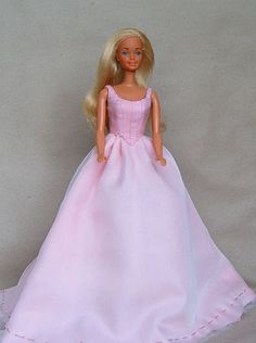 DOLLS for joy and pleasure - gallery - free Barbie sewing patterns