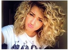 Tori Kelly's hair