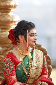 Indian Marathi Wedding Hairstyles - Based on your venue agreement, there could be a few constraints with regards to the sort of decor it is possible to generate Indian Party Hairstyles, Hairstyles For Gowns, Saree Hairstyles, Wedding Hairstyles For Medium Hair, Bride Hairstyles, Engagement Hairstyles, Marathi Bride, Marathi Wedding, Wedding Dress