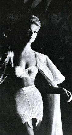 46bdfca2ba Vintage lingerie - the lighting makes this shot especially intriguing  Lingerie Vintage