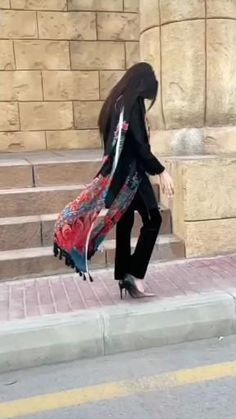 Cute Love Images, Cute Poses For Pictures, Cute Couples Photos, Cool Girl Pictures, Pakistani Kids Dresses, Indian Fashion Dresses, Girls Fashion Clothes, Girl Fashion, Stylish Dresses For Girls