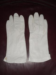 Lord Y Taylor Vintage Ivory 100% Silk Soft Driving Gloves Size 8 Free Shipping Price:US $15.99