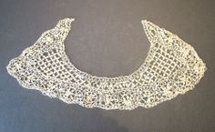 DELICATE ANTIQUE BEDFORDSHIRE MALTESE CREAM SILK LACE COLLAR