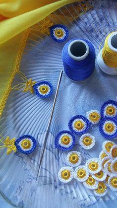 Círculos de tres colores para adornar cenefas, manteles, toallas etcétera.