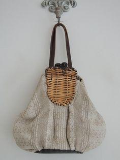 エバゴス ebagos ウレシイ日踊る人現ワル 籐使いバッグ