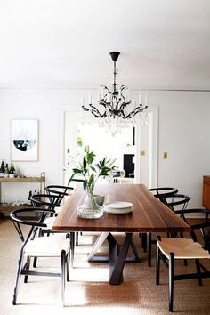 Modern dining room with modern dining room table and modern dining room chairs, wishbone dining chairs and crystal chandelier, home bar cart in neutral dining room decor, elegant dining room design Modern Dining, Dining Room Design, Dining Room Chairs, Wood Dining Table, Living Room Decor, Dining Table, Dining Room Decor, Dining Room Table, Live Edge Dining Table