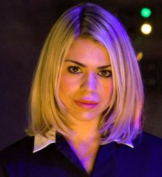 I love Billie Piper's hair! I'm going to get my hair cut like this soon