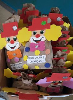Profª: Ivani Ferreira: Lembrancinha para o dia das crianças! Kids Crafts, Diy And Crafts, Paper Crafts, Luau Party Decorations, Halloween Decorations For Kids, Circus Birthday, Birthday Party Themes, St Patrick Day Snacks, Carnival Crafts