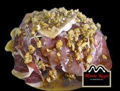 Ensalada de jamón ibérico #MonteRegio, foie, queso blanco y nueces picadas ¡Que aproveche!
