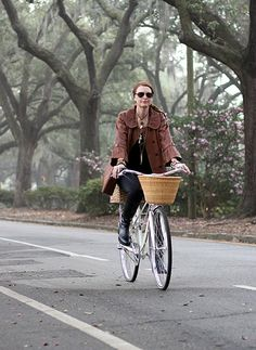 Biking through Savannah, GA • A Visitor's Guide