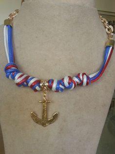 Collar en colores marinos