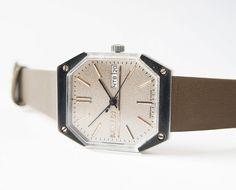 raketa - wristwatch