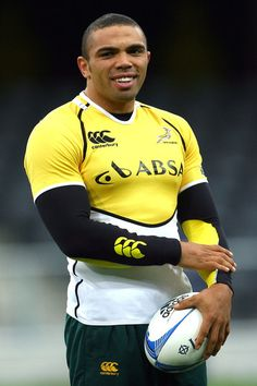 Bryan Habana (1983] is a South African rugby union player who plays as a wing for Toulon in the French Top 14 competition, as well as the Rugby World Cup Springboks.