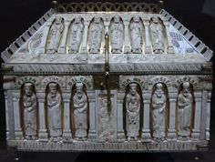 Ivory reliquary made in Cologne around 1200, carved with Old Testament figures on the lid and New Testament figures connected with the Nativity on the front panel.