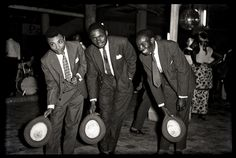 DEPARA (DRCongo): -Greetings of Franco after Concert    (Serie : In the dancings-bars of Kinshasa, DRCongo, ca. 1965)???