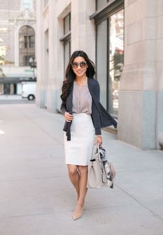 nice 62 Spring Workwear Outfits Ideas You Should Wear To The Office  http://lovellywedding.com/2018/02/05/62-spring-workwear-outfits-ideas-wear-office/