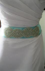 Tiffany blue Belt + white dress= cute outfit!
