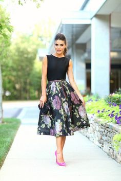 ♥ the classic vintage feel to this look!!! Dressy Floral Midi Skirt with Pink High Heels fashion pink floral skirt classy high heels street fashion midi