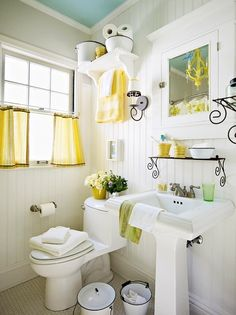 Contemporary-Small-Bathroom-Decorating-Pictures.jpg 538×719 pixels. White walls. Blue ceiling. Turquoise & green accents.