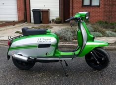 Lambretta Scooter, Vespa Scooters, Motor Scooters, Mini Bike, Sidecar, Chopper, Cars And Motorcycles, Motorbikes, Childhood Memories