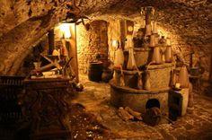 L'intérieur d'un 16ème siècle Alchemy Laboratoire oublié - Alien UFO Sightings