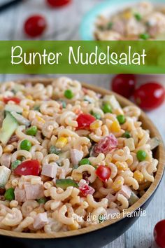 Kinder Nudelsalat mit Frischkäse, was Kindern schmeckt – MeineStube Recipe for a colorful pasta salad with cream cheese. As a children's salad and for the whole family. Vegetables that taste good and some sausage that children like. My room salad recipe Vegetarian Recipes, Healthy Recipes, Healthy Lunches, Healthy Food, Queso Fresco, Italian Recipes, Food Inspiration, Salad Recipes, Food Processor Recipes