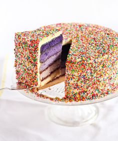 Monochromatic gradient cake. Totally doing this.