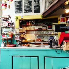 Latei (Amsterdam también), un lugar lleno de artículos vintage en los que puedes comer pero también puedes comprar. Home-made food. Personal increíblemente adorable.