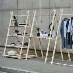 Solid portable exhibition shelving unit counter rack raw wood Portable shelving unit with 4 plywood shelves, quick setup collapsible wooden stand for craft show, reusable Craft Fair Displays, Store Displays, Display Shop, Flea Market Displays, Flea Market Booth, Regal Display, Plywood Shelves, Plywood Cabinets, Pop Up Shops