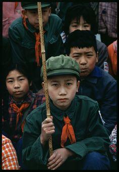 China People, Communist Propaganda, Photo Projects, Japanese Kimono, Vintage Travel, Childhood, History, Communism, Drawing Ideas