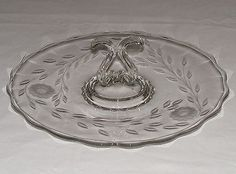 VTG-12-ETCHED-HUGHES-CORNFLOWER-CENTER-HANDLE-GLASS-DESSERT-SERVING-TRAY-PLATE