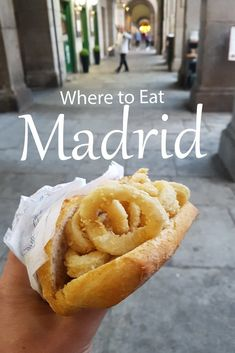Places to Eat in Madrid Madrid is a great culinary destination. Madrileños love good food and it shows in the quality and plethora of great places around the town. Europe Travel Guide, Spain Travel, Travel Tips, Travel Destinations, Travelling Europe, Vacation Travel, Free Travel, Mexico Travel, Travel Hacks
