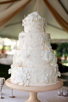 bolo branco em casamento