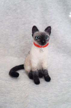 Needle Felted Siamese Cat Felt Animal Wool by #JanetsNeedleFelting #SiameseCat #needleFelting #wool #needleFelting