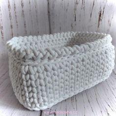 NÁVOD - obdélníkový košíček ze šňůr - ZDARMA Diy Crafts Knitting, Diy Crafts Crochet, Tiny Teddies, Bag Pattern Free, Tote Bags Handmade, Crochet Tote, T Shirt Yarn, Crochet Fashion, Double Crochet