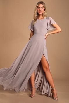 Get swept off your feet in the Lulus Garden Bliss Dusty Lavender Cutout Maxi Dress! Chiffon maxi dress with back cutout and flowy skirt with side slit. Bridesmaid Dresses With Sleeves, Maxi Dress With Sleeves, Short Sleeve Dresses, Bridesmaid Gowns, Flowy Skirt, Bridesmaids, Long Sleeve, Stunning Dresses, Cute Dresses