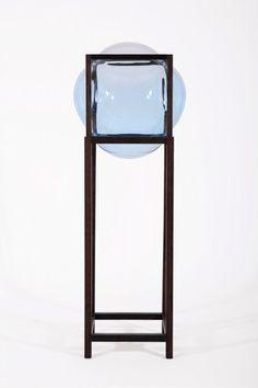 Round_Square-high_showcase_cabinet-empty-Studio_Thier&VanDaalen