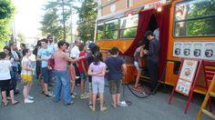 SPETTACOLI: l'ingresso al Teatrobus di Girovago & Rondella (con dentro lo spettacolo Manoviva)