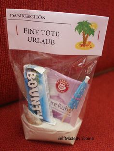 SelfMadeby Sabine: Eine Tüte Urlaub, Lehrergeschenk, Present for Teacher SelfMadeby Sabine: Un sac de vacances, cadeau d'enseignant, cadeau pour enseignant Presents For Teachers, Diy Presents, Diy Gifts, Funny Presents, Funny Gifts For Him, Presents For Friends, Teacher Christmas Gifts, Holiday Gifts, Christmas Diy