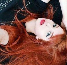 Das Kupfer oh mein Ginger Haare - Bunte Haar Diy - Gesichter - Das Kupfer oh mein Ginger Haare - Bunte Haar Diy - Gesichter - Pensez à chicago fameuse « small robe noire Red Heads Women, Girls With Red Hair, Hair Girls, Beautiful Red Hair, Rides Front, Gorgeous Redhead, Copper Hair, Redhead Girl, Red Hair Color
