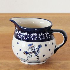 Little milk jug for your coffee - great pattern for winter ;)