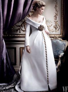 Rosamund Pike, Star of Gone Girl, Graces Vanity Fair's February Cover | Vanity Fair