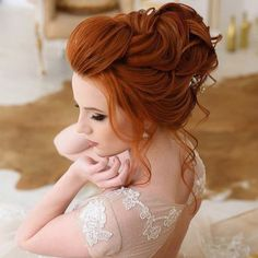Wedding Hair Colors, Wedding Hair And Makeup, Hair Wedding, Red Bridal Hair, Bridesmaid Hair Updo, Prom Hair, Pelo Color Cobre, Red Hair Updo, Vibrant Red Hair