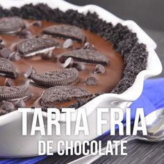 Video de Tarta Fría de Chocolate – Hilaria Zamarripa – Join the world of pin Baking Recipes, Cake Recipes, Dessert Recipes, Delicious Desserts, Yummy Food, Tasty, Dessert Drinks, Food Cakes, Food Videos