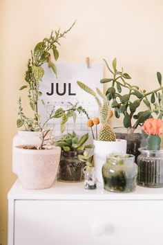 [New] The 10 Best Garden Ideas Today (with Pictures) - Hello July July Calendar, Free Calendar, Resto Paris, Calendar Pictures, Hello July, Happy July, Sober Living, Wedding Week, Big Leaves