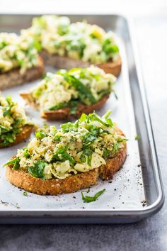 10 Minute White Bean Artichoke and Basil Toasts - THE BEST quick and easy recipe for basil lovers! Vegan, 190 calories. | pinchofyum.com