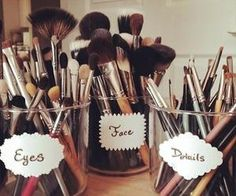#makeupbrushes #makeuporganization #cuteidea