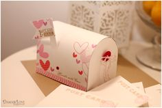 Template for mailbox available at http://www.damasklove.com/wp-content/uploads/2012/10/Mailbox-Template-copy.pdf