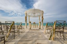Tie the Knot with a Picture Perfect Setting